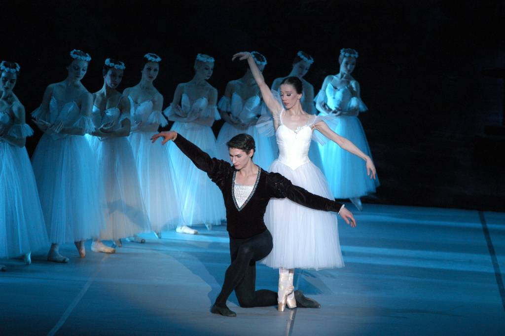 sleeping beauty ballet essay Immediately download the the sleeping beauty (ballet) summary, chapter-by-chapter analysis, book notes, essays, quotes, character descriptions, lesson plans, and more.